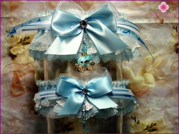 Cinderella-style bride garter