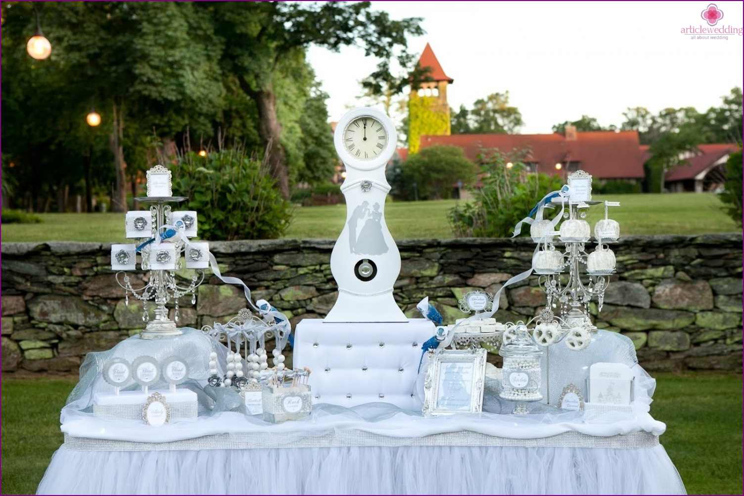 Candy bar in the style of a fairy tale Cinderella