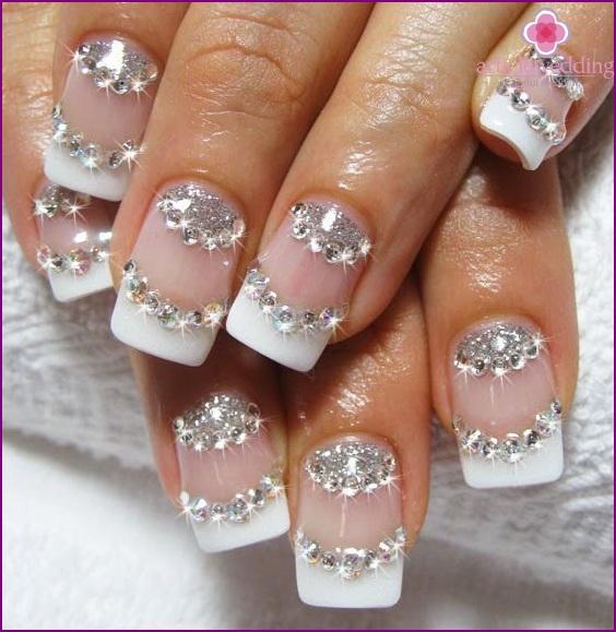 Rhinestones in manicure
