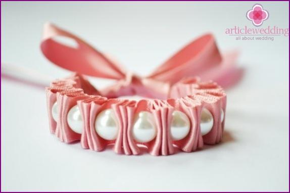 Women's bracelet on hand