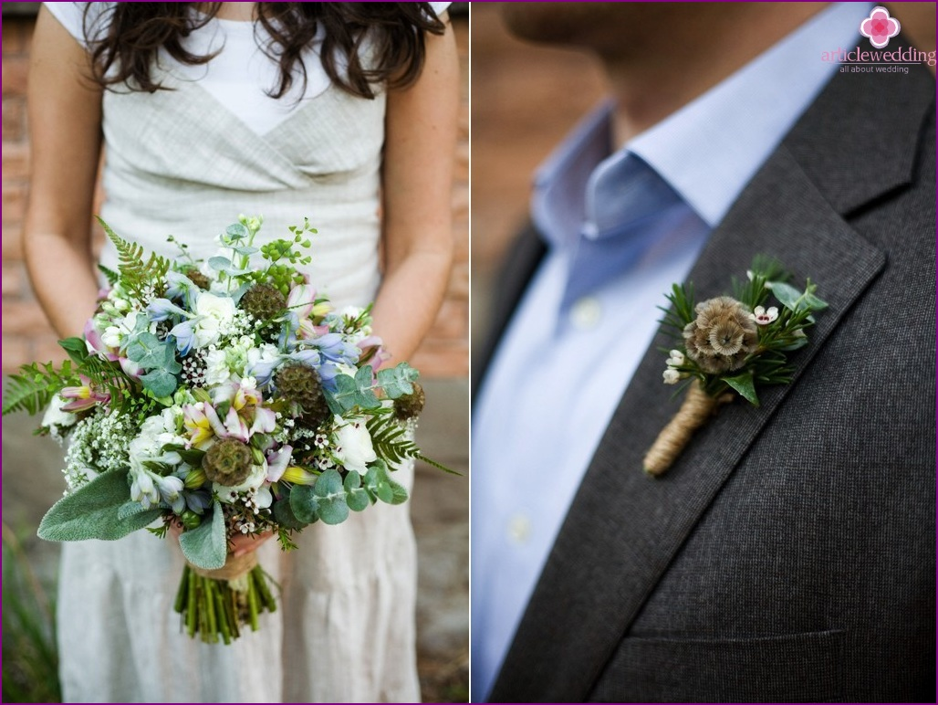 Bridal bouquet and groom's boutonniere