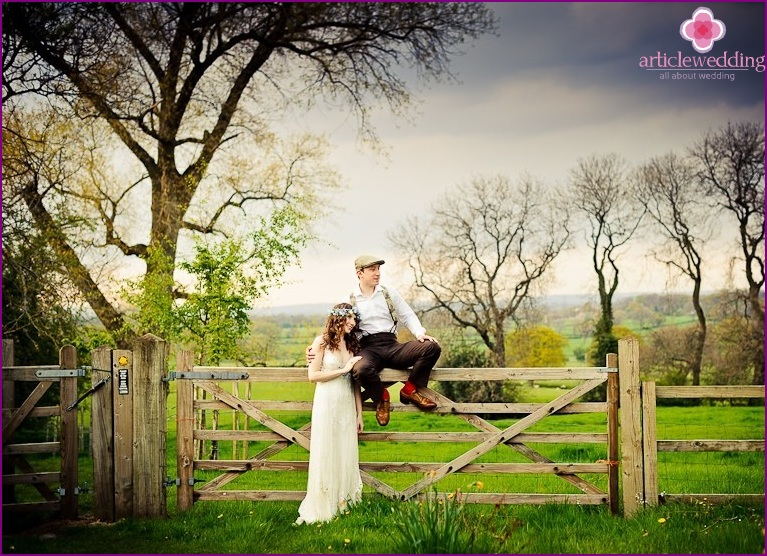 Newlyweds in a Country Style
