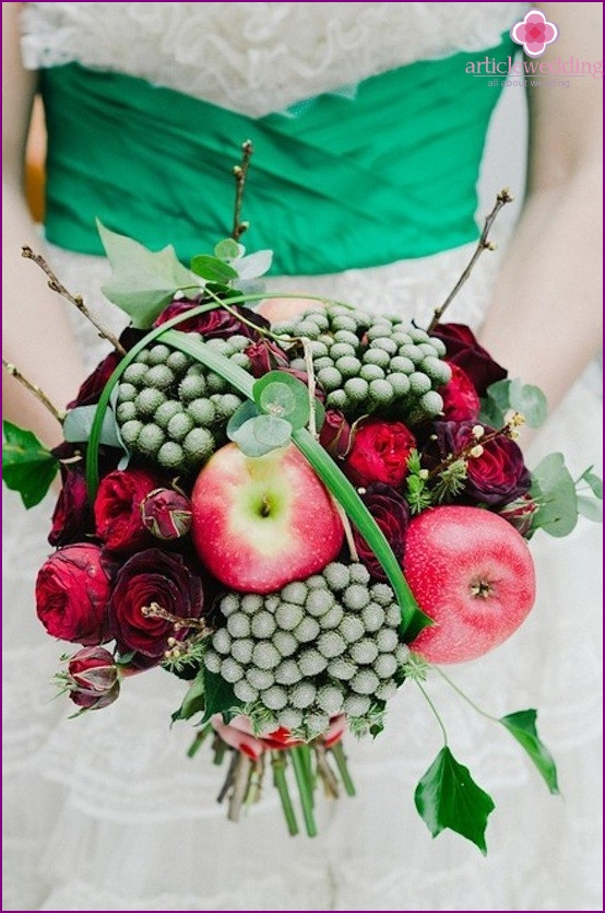 Bridal bouquet with apples