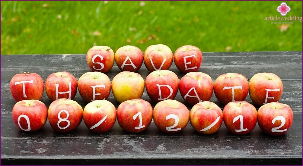 Invitation from apples