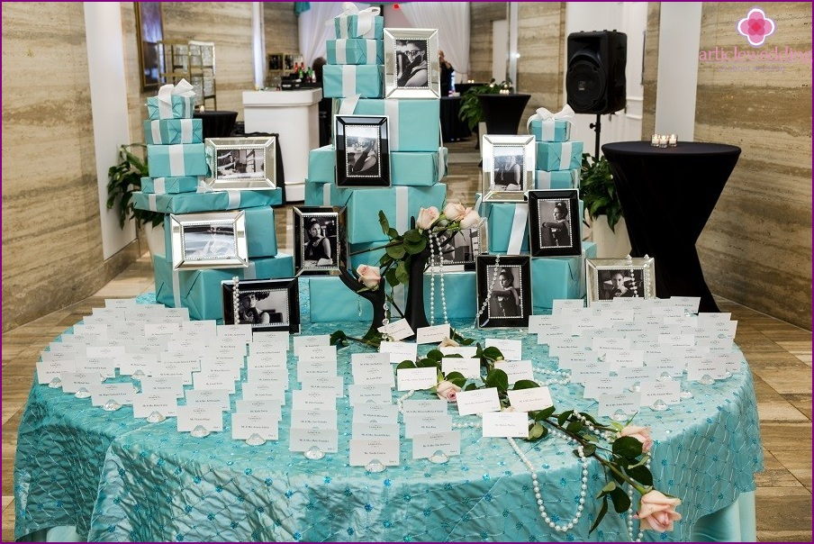 Wedding party in the style of Breakfast at Tiffany's