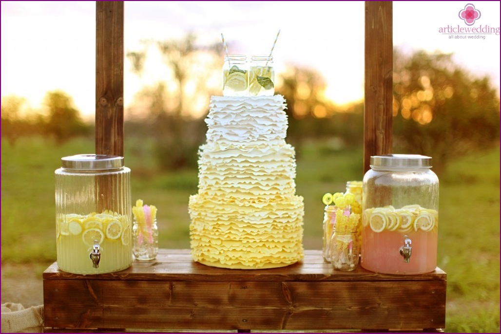 Lemonade bar at the wedding