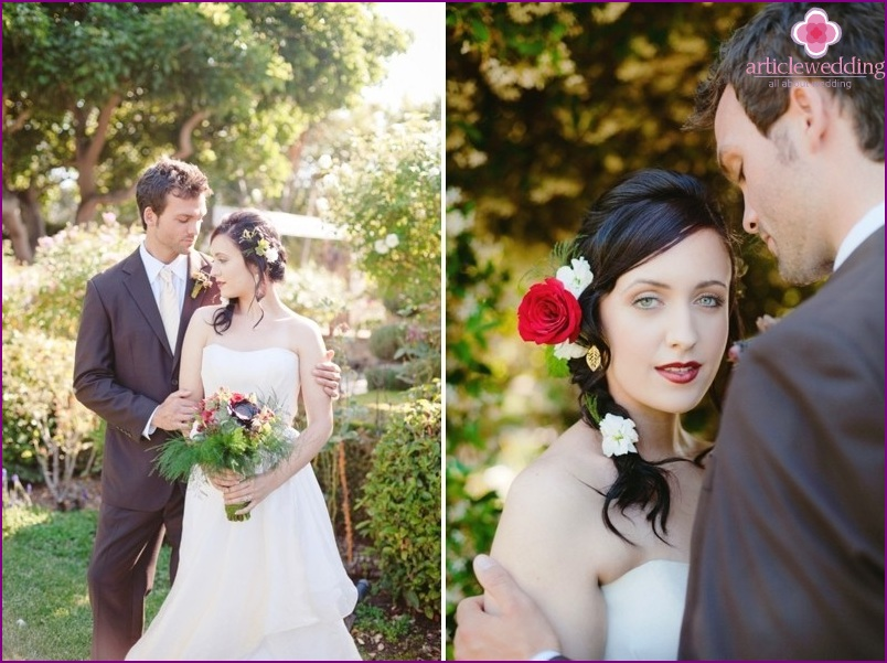 """Newlyweds in the style of """"Snow White and the Seven Dwarfs"""""""