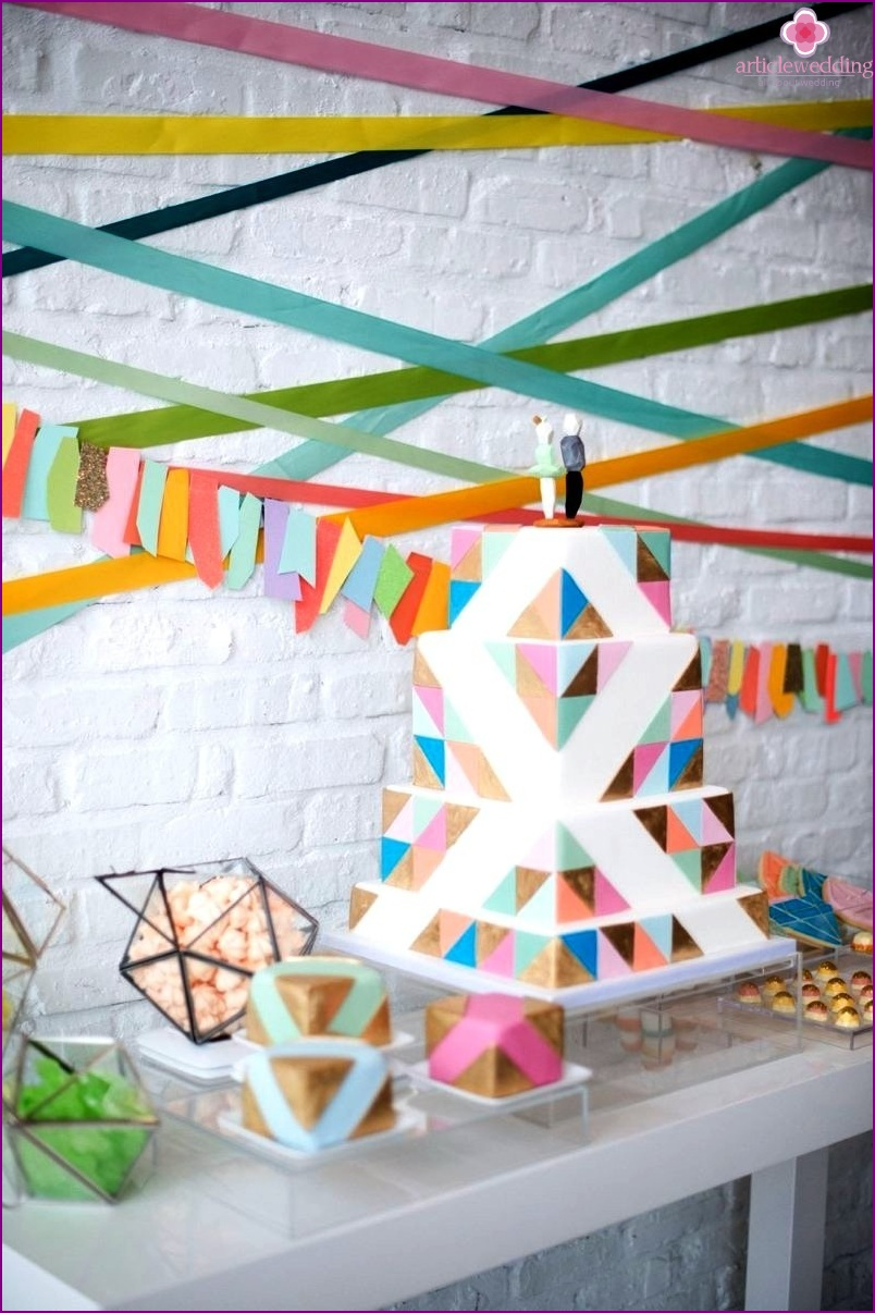 Wall decor for geometric wedding