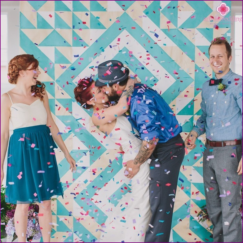 Geometric motifs in the design of the wedding photo zone