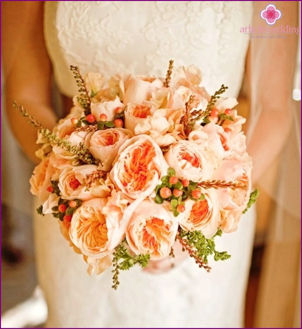 Bridal bouquet in peach style