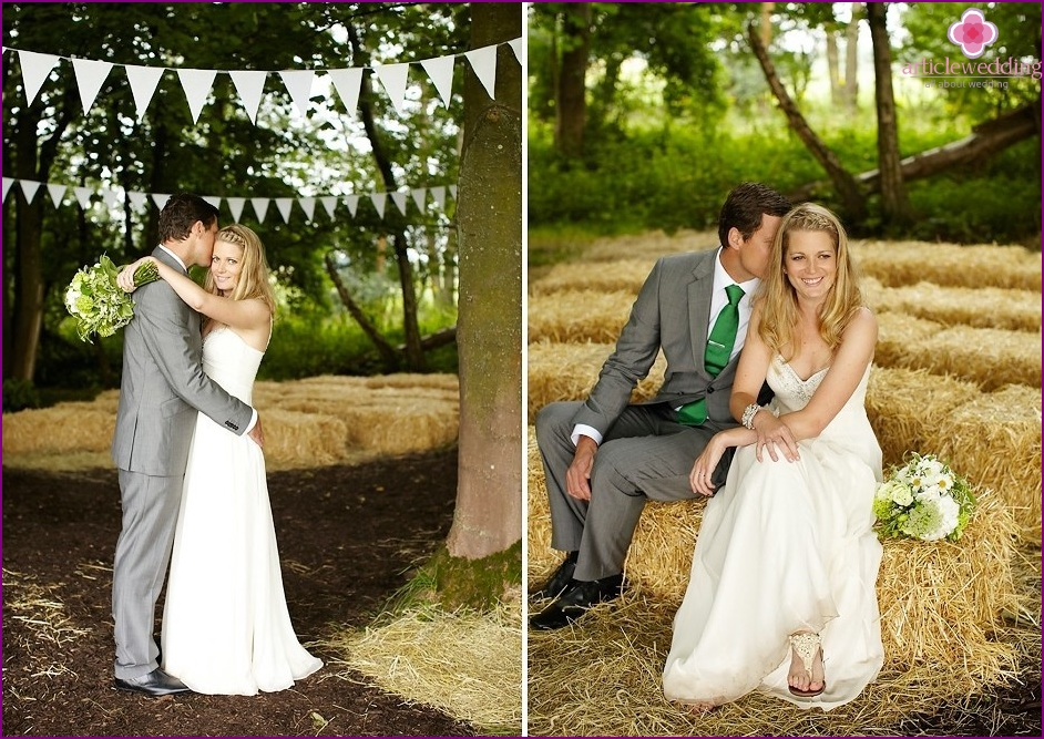 Newlyweds in the style of rustic