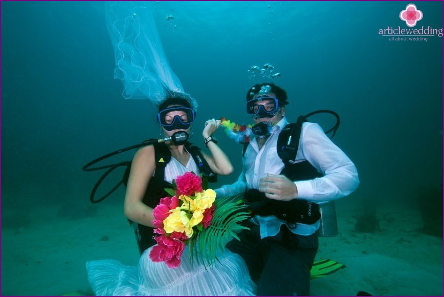Wedding under water