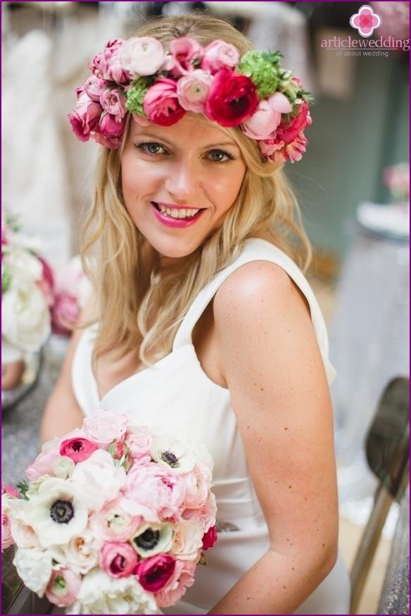Bright wreath for the bride