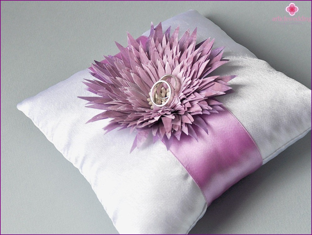 Cushion for rings