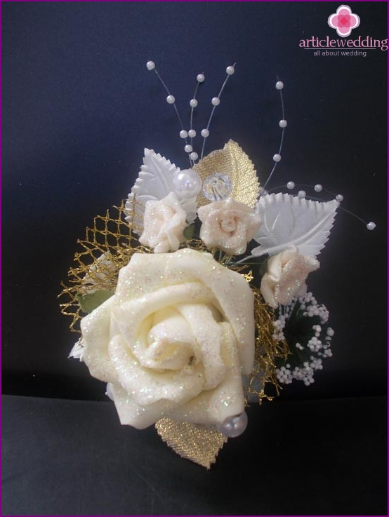 The Grace of a Wedding Boutonniere