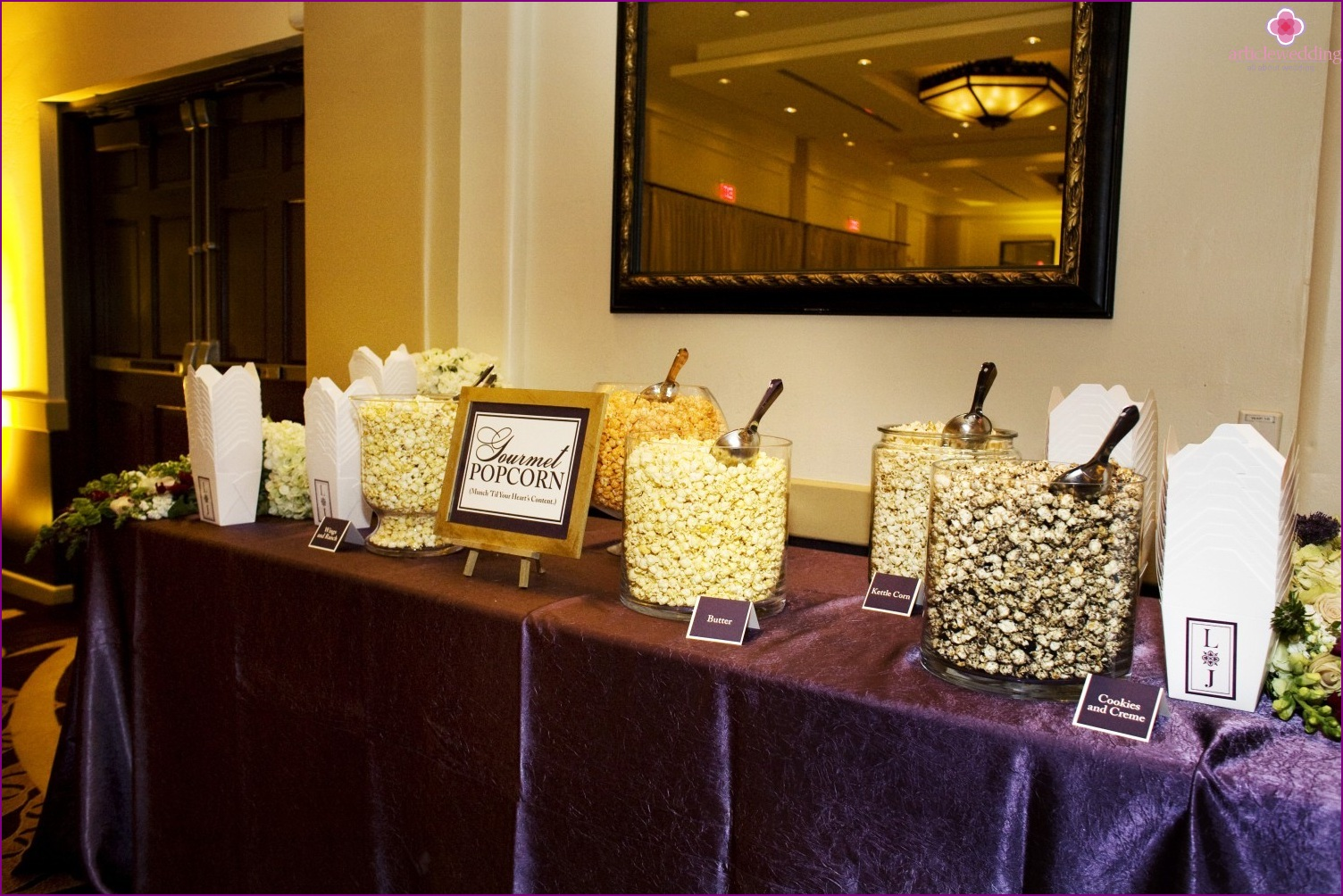 Popcorn bar at a wedding