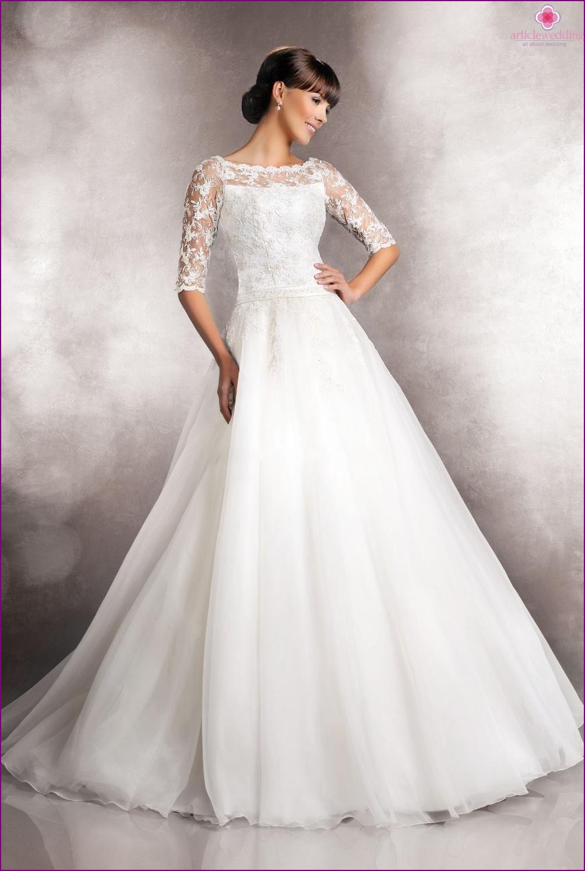 Closed wedding dress
