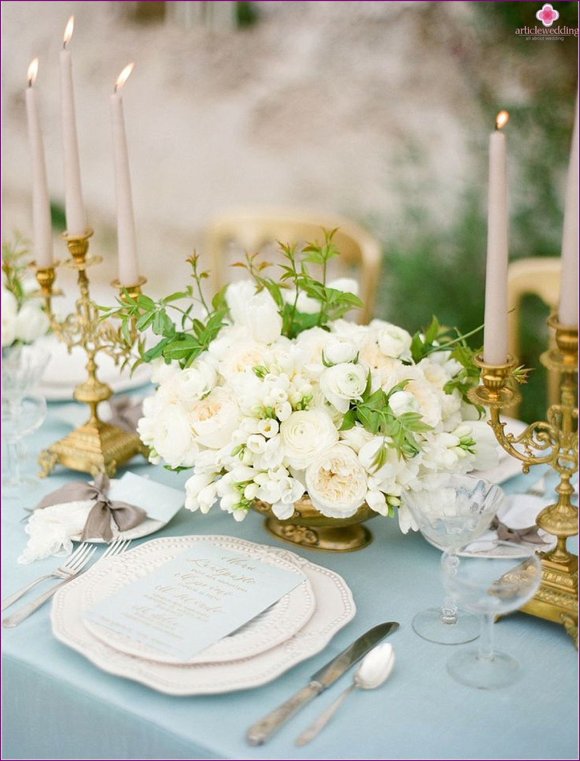 Wedding decoration in dusty blue