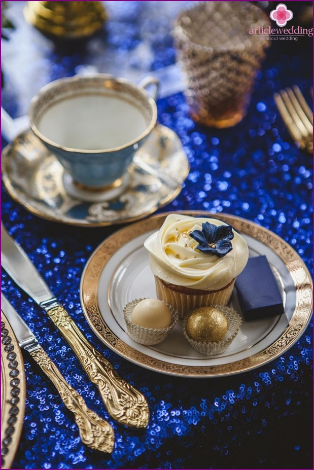 Treats in blue and gold