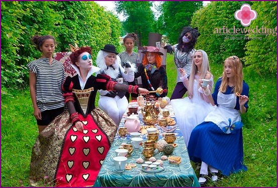 Fairytale images of wedding guests