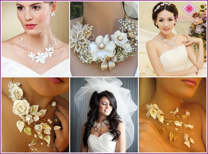 Bride necklace decorated with flowers