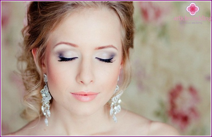 Beautiful brown-eyed girl makeup
