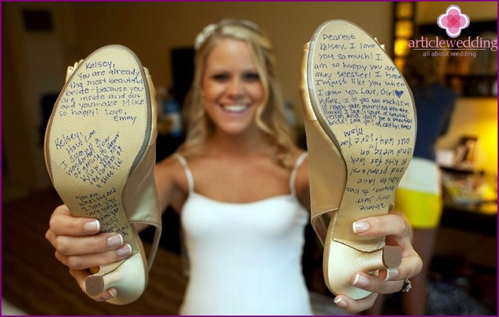 Variants of inscriptions for the soles of the shoes of the bride