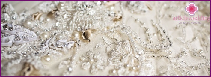 Pattern lined with sequins and stones
