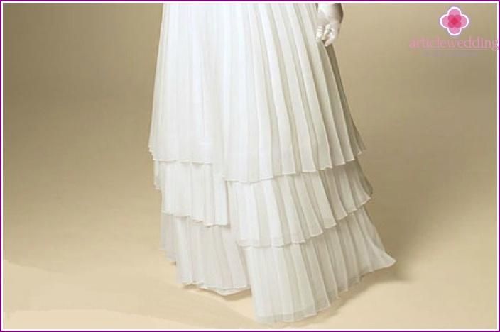 Triple hem wedding dress to a full bride