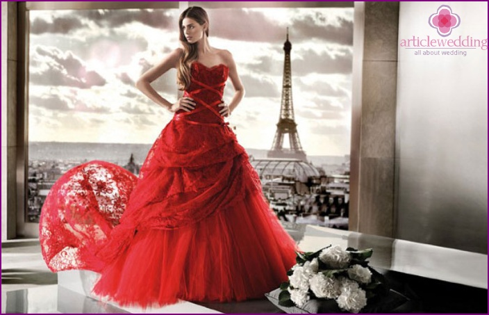 Red bride dress