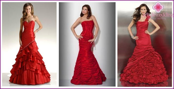 Model Mermaid in red