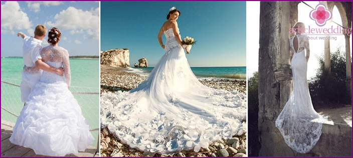 Dress for a beach wedding