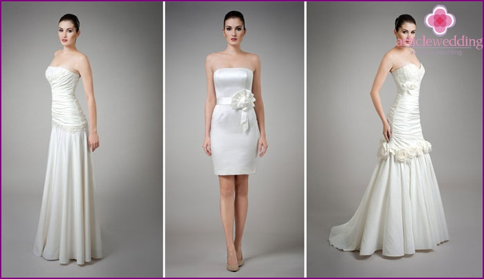Outfits of the bride for an island wedding