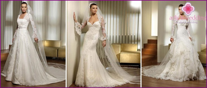 Wide to the bottom lace sleeves of a wedding dress