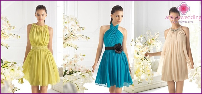 The choice of dress style depends on the features of the figure