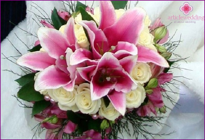 Pink lilies for festive moments