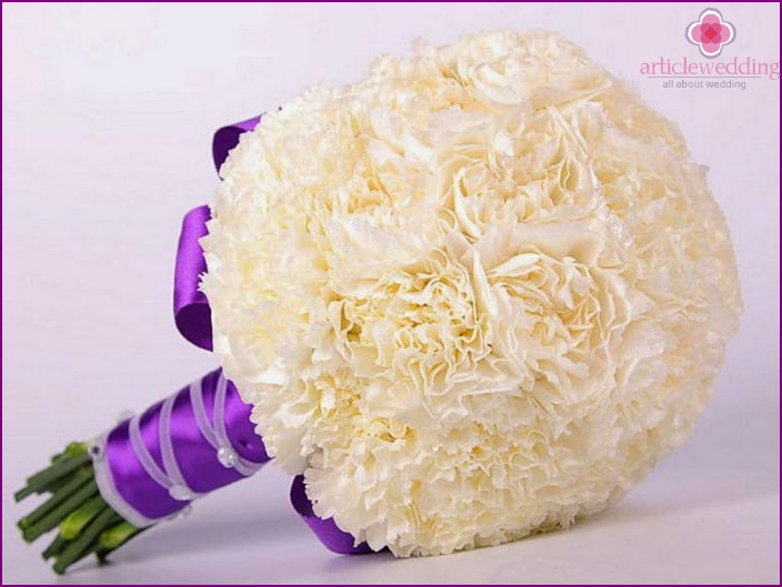 Bouquet in the shape of a ball