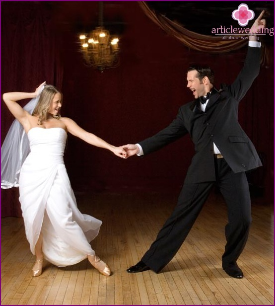 Incendiary dance of the newlyweds