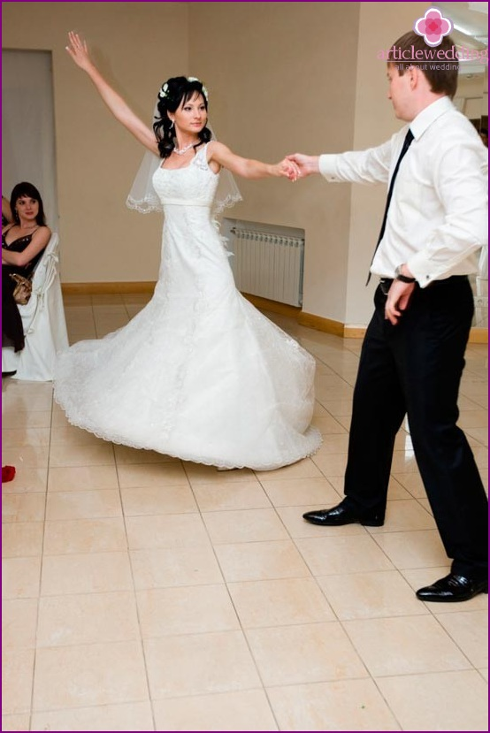 Tango as the first dance of the young