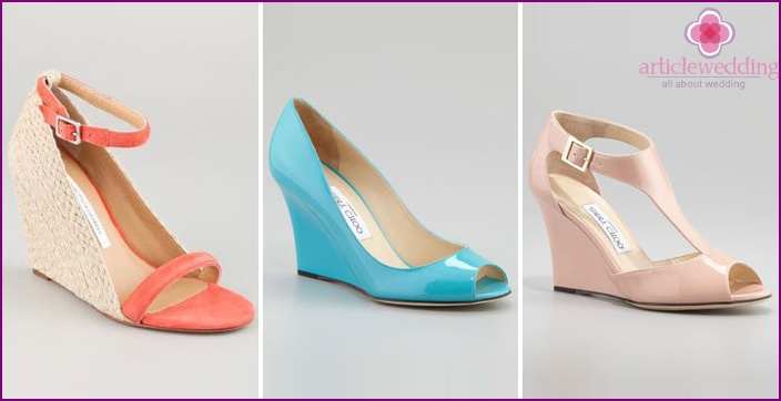 A variety of colors of wedding wedges