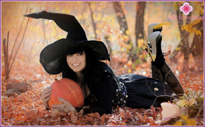 Witch costume for hen party