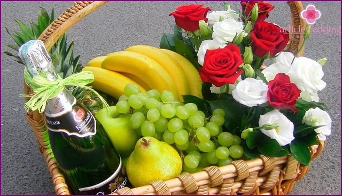 Basket with flowers and fruits for a girlfriend at a bachelorette party