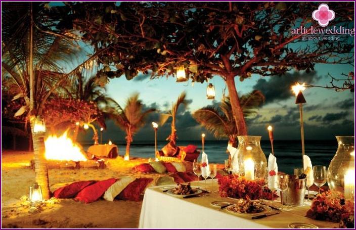Photo: Hawaiian party bachelorette party