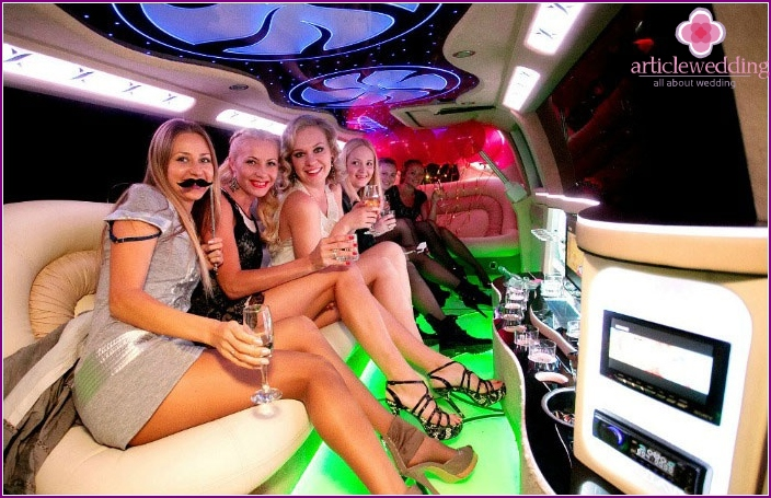 Where to spend a chic bachelorette party: limousine
