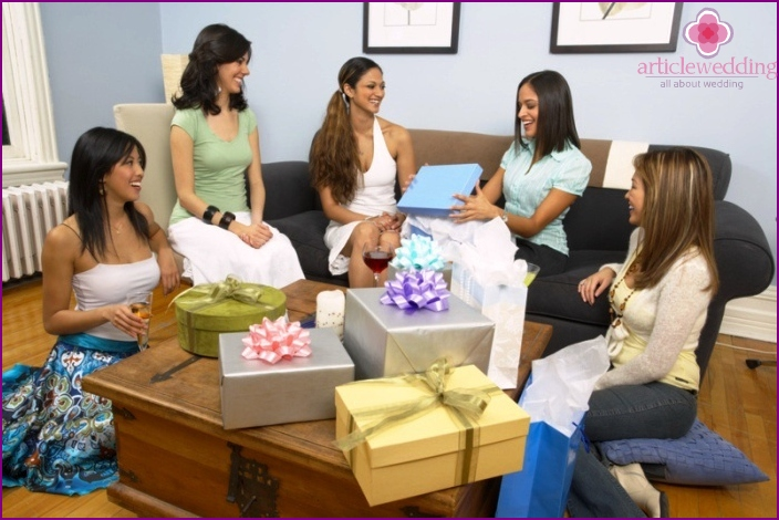 Presenting gifts at a bachelorette party
