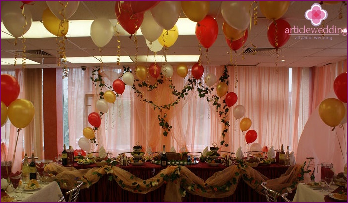 Wedding decoration with balloons for 20 people