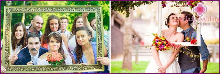Rahmen als Requisiten für die Hochzeitsfotografie