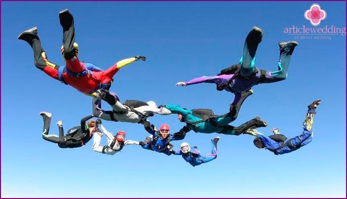 Fallschirmspringen mit Freunden