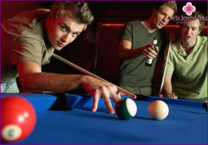 Billiard games for the groom and the company at the bachelor party