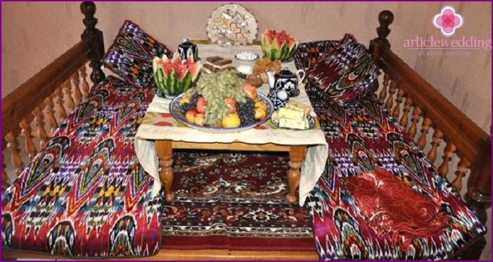 Hand-embroidered national guru